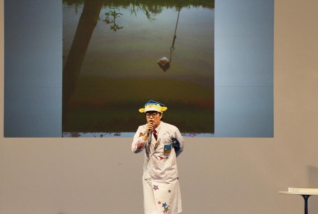 メインステージで講演するさかなクン(写真は2019年開催時のもの)