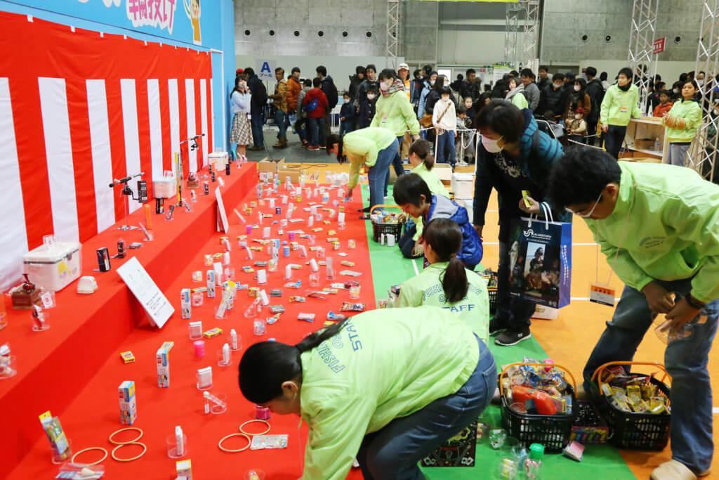 小さな子供が楽しめるゲームたたくさん用意されている「こどもお祭り広場」 (写真は2019年撮影分)