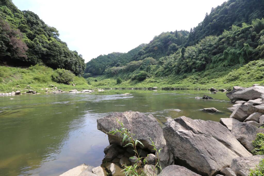 高山ダムの風景
