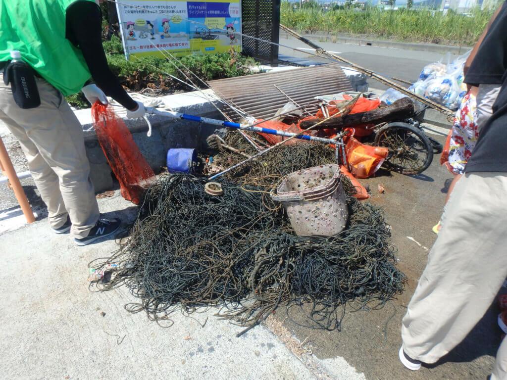 静岡県焼津市「ふぃしゅーな」で行われた清掃活動では総重量約235㎏のゴミが回収された