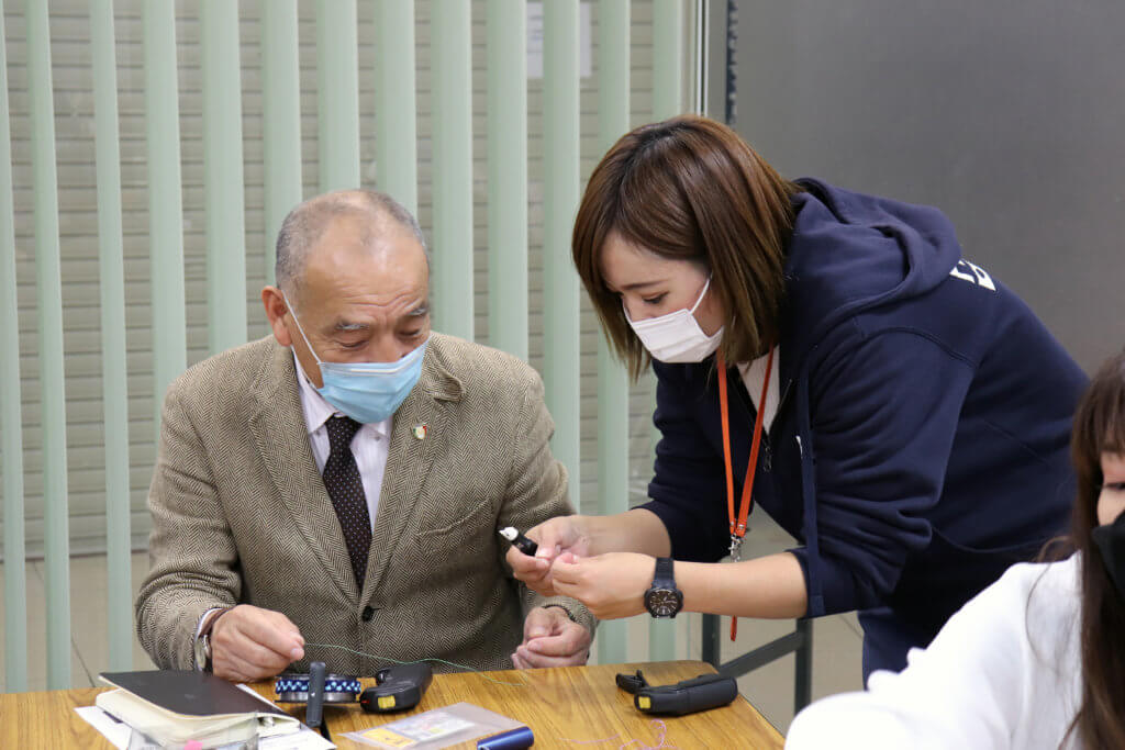 ハピソンの曽我部颯希さんも参加者をサポートした