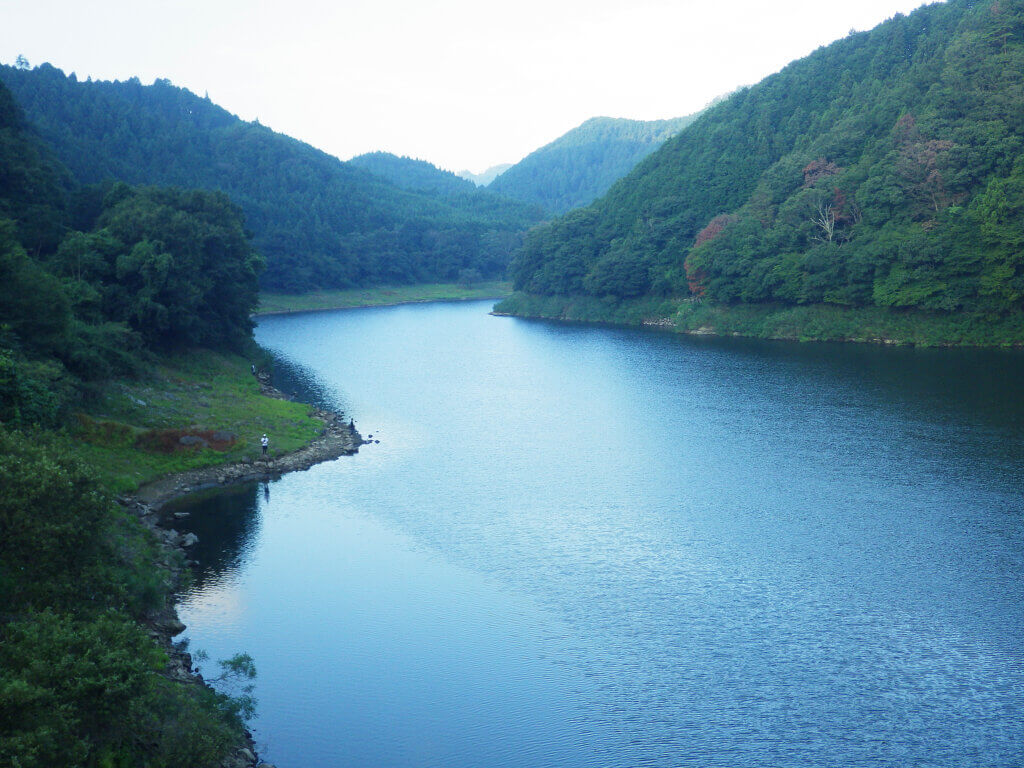 室生ダムの風景