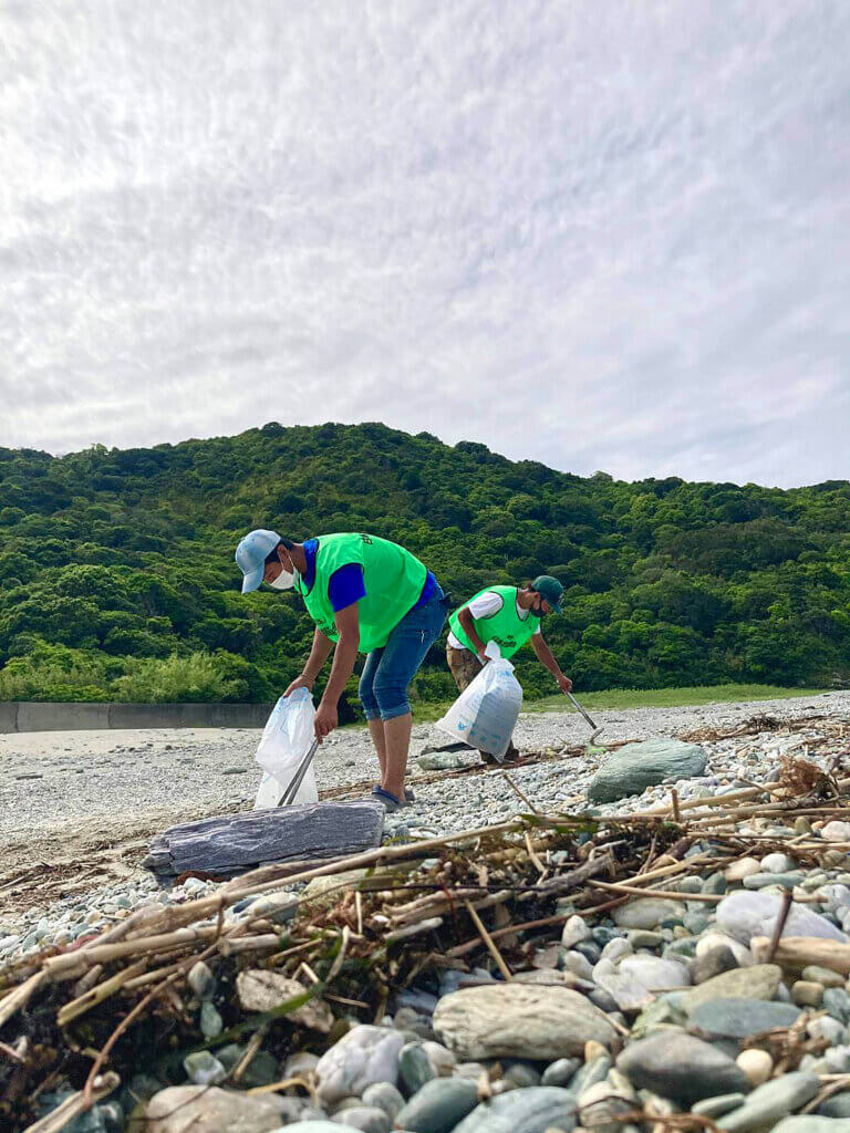 日本釣振興会和歌山県支部の清掃の様子