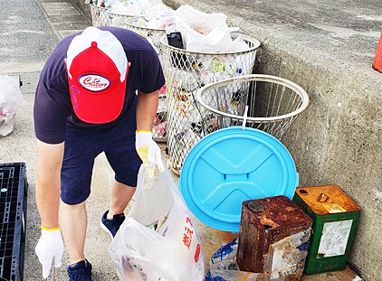 キャステング福岡店清掃活動の様子